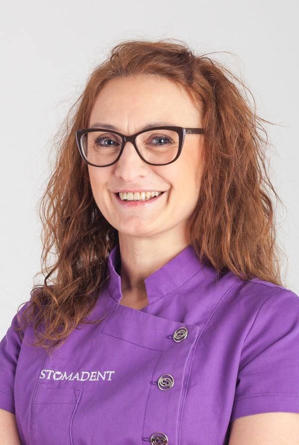 Małgorzata-Kaczyńska-astystentka-stomatologiczna